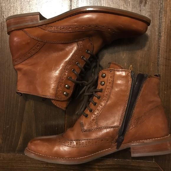 best loved 5ebf2 f54de NWOT Drievholt Leather Ankle Boots